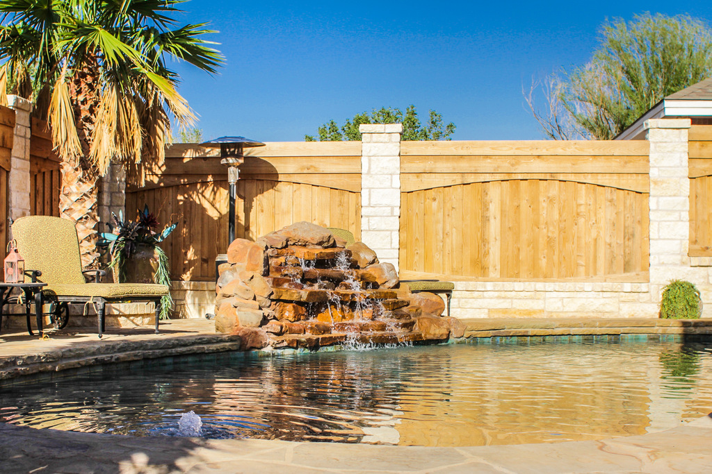 Landscaping gallery big country stone for Landscaping rocks midland tx